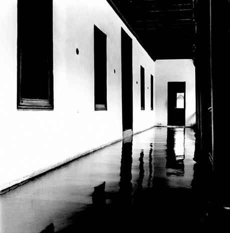 Padmana Bhapuram Palace, 2000 - Dayanita Singh