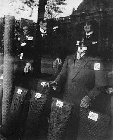 Almacén de trajes para hombres, 1926