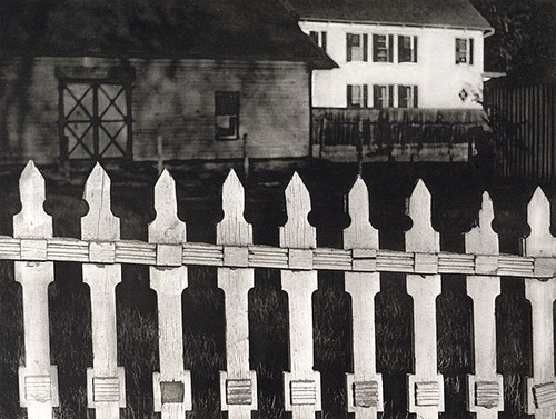 Paul Strand - The White Fence, 1916