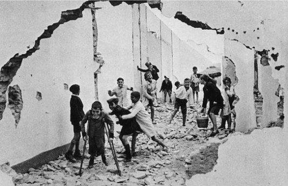 Henri Cartier-Bresson: Sevilla, 1933