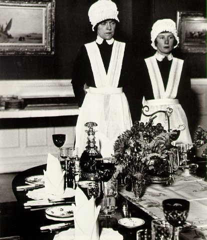 Bill Brandt - Ready to Serve, 1936