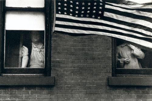 Robert Frank: Desfile - Hoboken, New Jersey, 1955