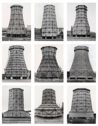 Bernd y Hilla Becher: Cooling Towers, Ruhr District, 1983