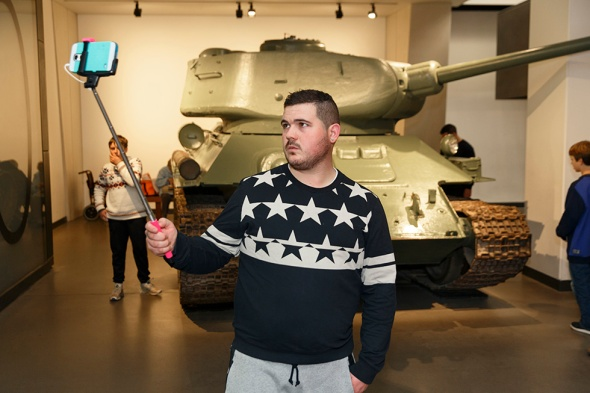 Martin Parr - GB. England. London. Imperial War Museum. 2015.