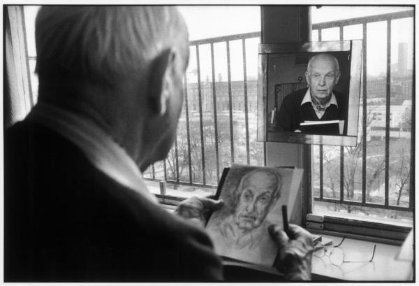 Martine Franck - FRANCE. Paris. French photographer Henri CARTIER-BRESSON. 1992.